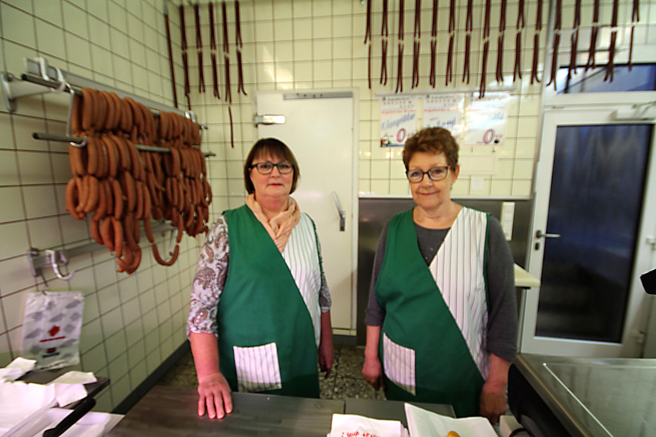Unsere Fleischfachverkäuferinnen informieren und beraten Sie gern